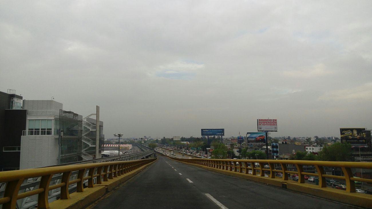Esto Es Mexico Dando El Rol Calles En Ruinas Hello World Negro Atardecer Puente