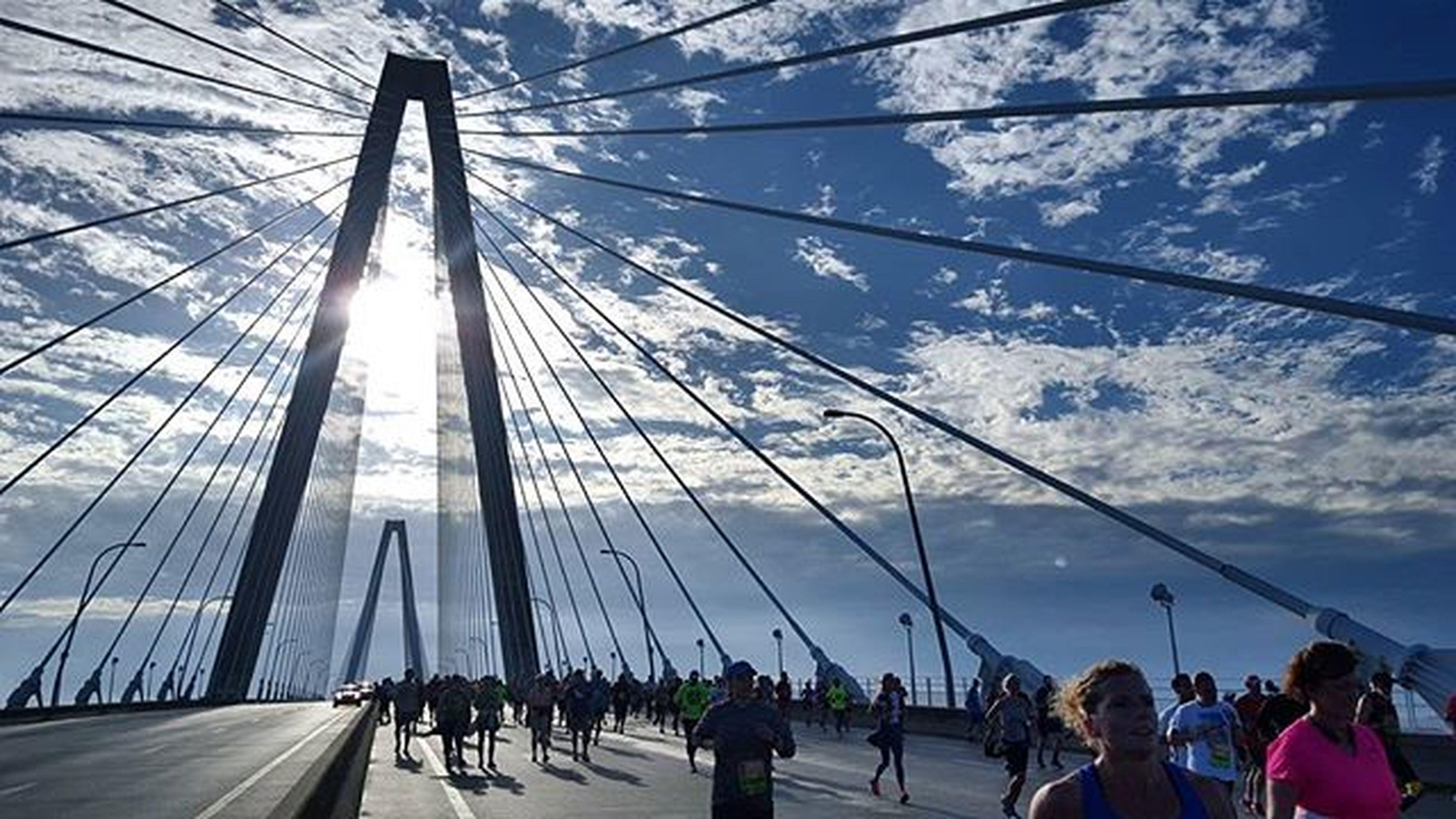 Beatiful day on the Bridge @cooperriverbridgerun Socharleston Charleston CRBR 10k Running Ihaterunning Photojournalism Gettyreportage Sunny Found On The Roll
