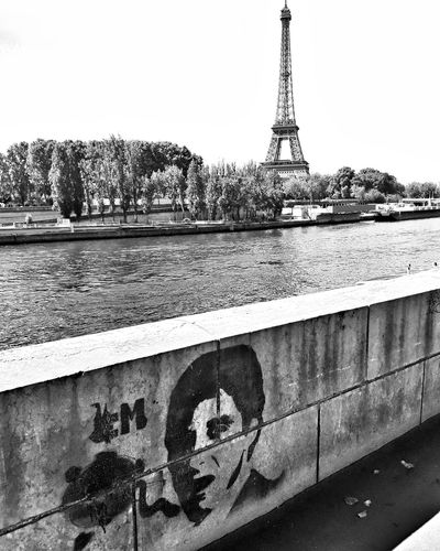 Water Outdoors Day No People Sky Tranquil Scene Bnw Streetphoto_bw Blackandwhite Bnw_collection Streetphotography Paris EyeEm EyeEmBestPics Eye4photography  France EyeEm Best Shots City Architecture Tranquility Portrait Lifestyles
