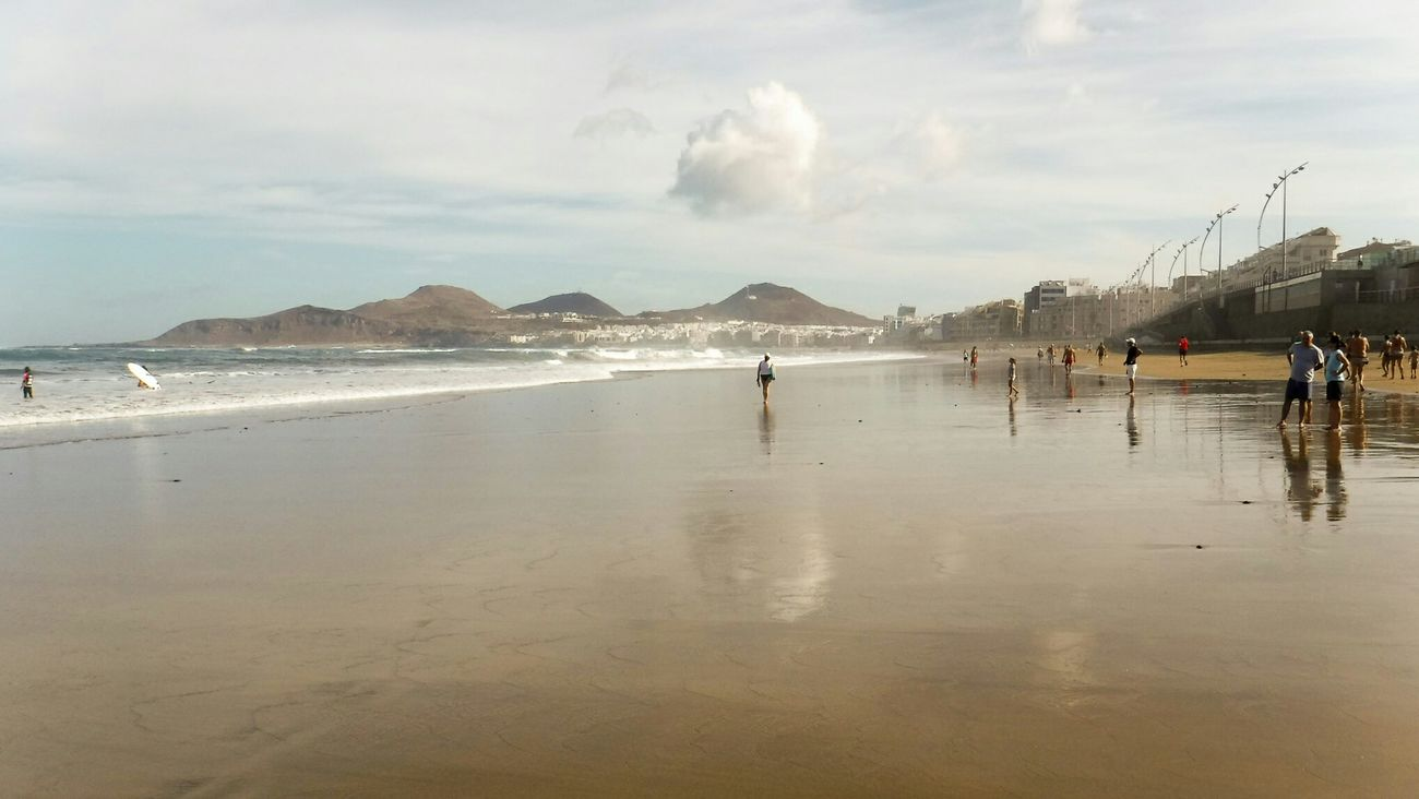 Relaxing Being A Beach Bum Sea Beach Cloud - Sky Reflection Water