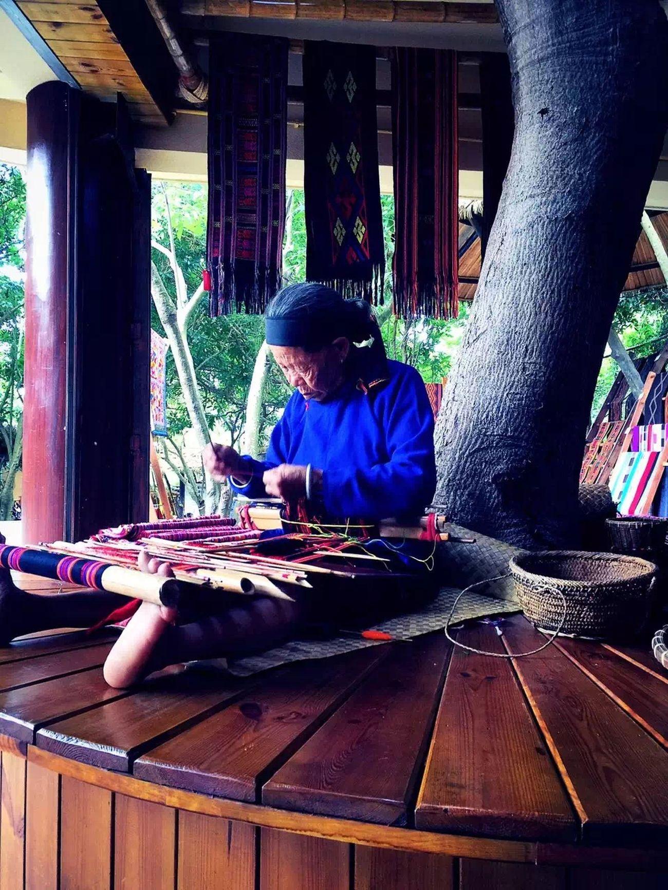 海南省黎族老人幸福生活