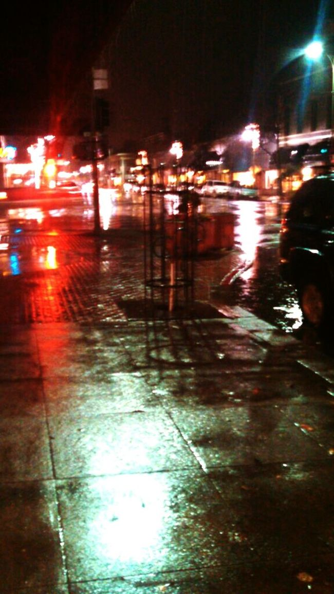 Cityscapes Rainy Reflections Headlights Night Light Abstracts Hidden Gems  Eye4photography  Question Everything Make It Yours Share What You See Empower Yourself Point And Shoot Discover Your City Another Workday Night Photography Phonetography
