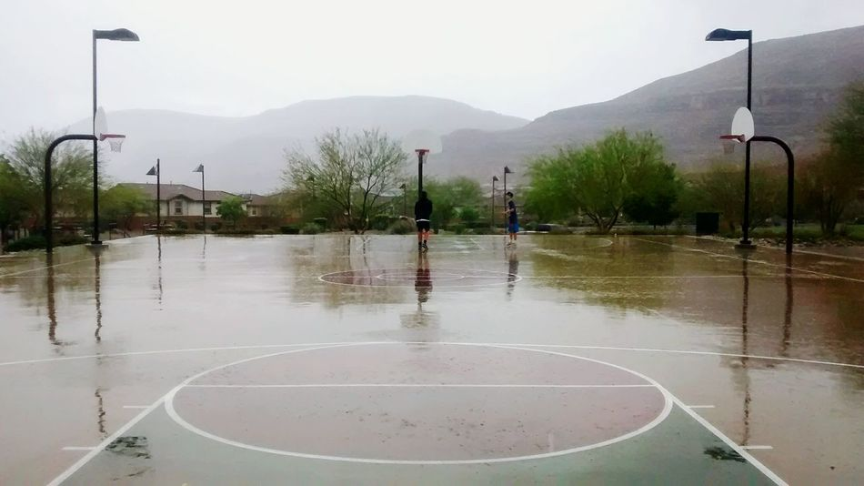 Check This Out Taking Photos Hanging Out Rainy Day Rain Basketball Friends Playing In The Rain
