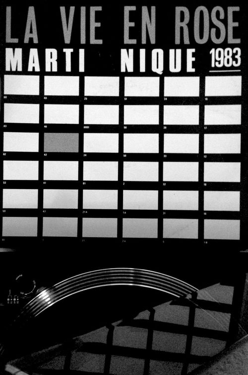 Art Music Records Hanging Out IPhoneography Home My Fuckin Berlin EyeEm Black And White