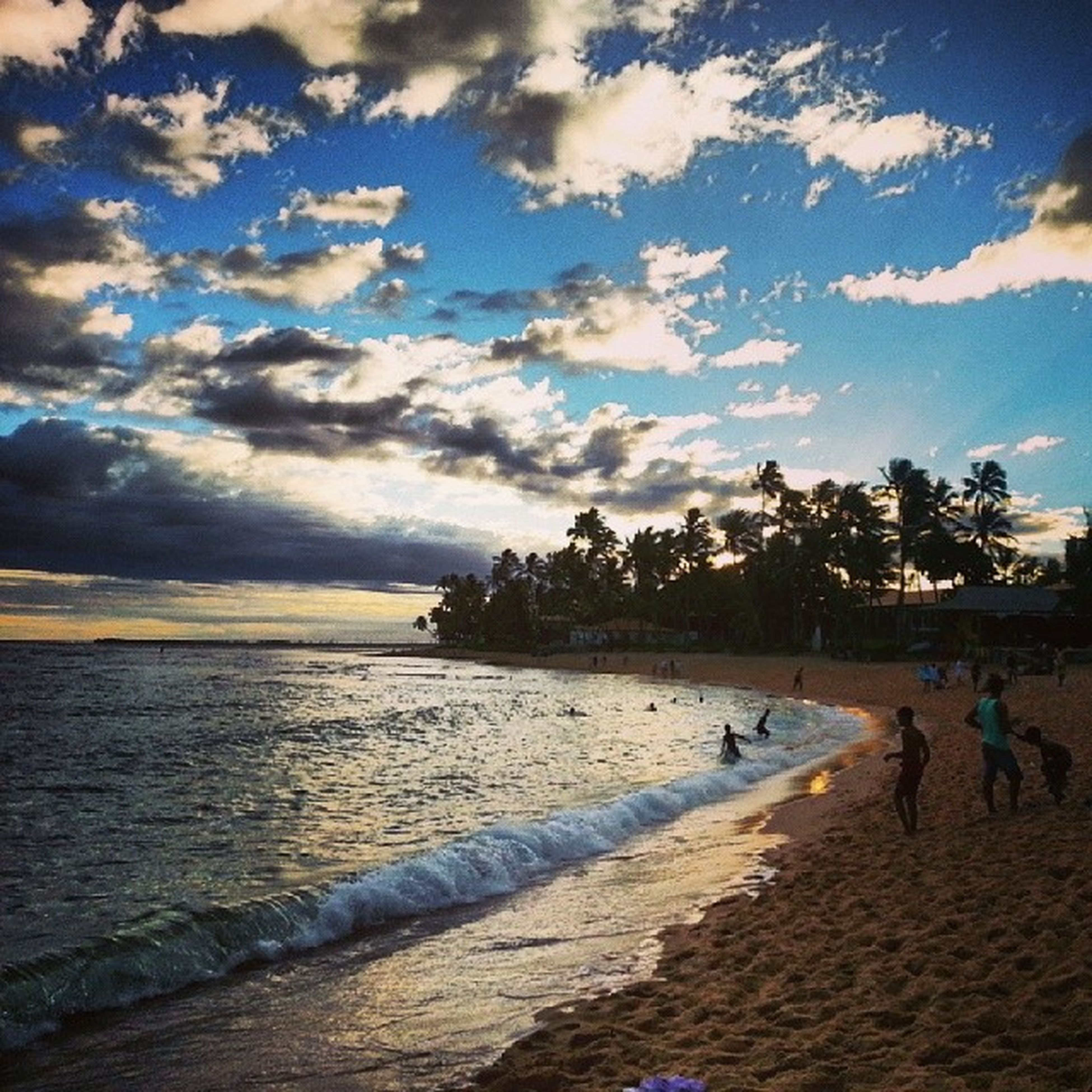 beach, water, sky, sea, sand, shore, cloud - sky, scenics, tranquil scene, tranquility, beauty in nature, nature, cloud, incidental people, vacations, coastline, horizon over water, sunset, leisure activity