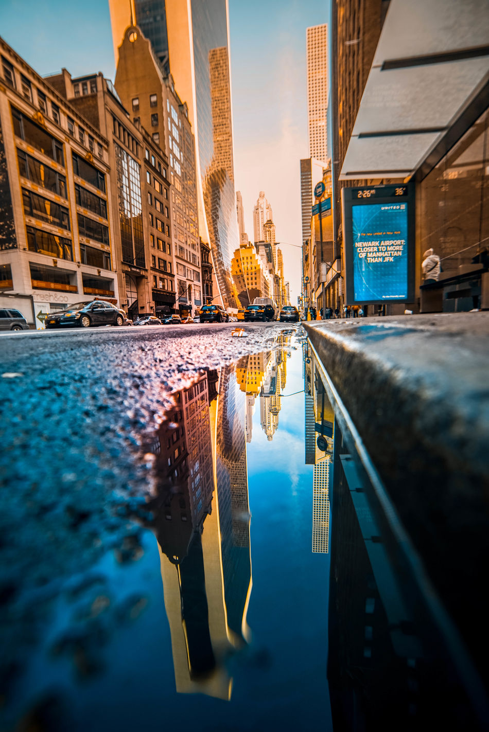 Street of New York Architecture Building Exterior Built Structure City City Life Cityscape Colorful Day EyeEm Best Shots EyeEm Gallery Modern Architecture Outdoors Water Reflection Sky Skyscraper Sonyalpha Sunset Travel Urban Skyline Streetphotography Travel Destinations Vanishing Point
