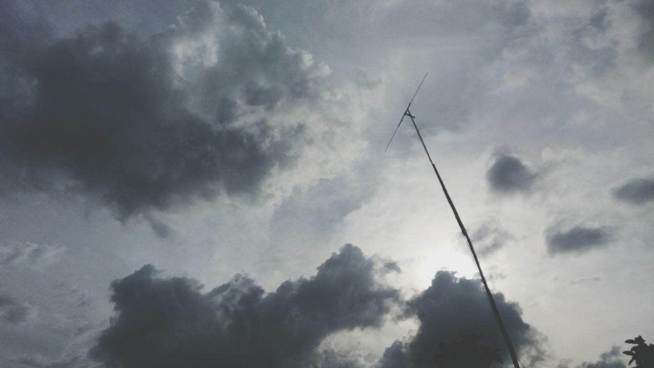 Not your ordinary afternoon sky. Eyeemjourney EyeEm Best Shots Eyeemphotography Eyeem Philippines EyeEm Eyeem Philippines Eyeemjourney Eye Em! Sky And Clouds Skylover Sky Clouds And Sky Cloudscape