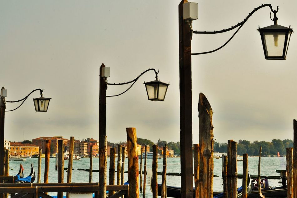 Built Structure Day Laguna Di Venezia  Lamps And Lights. Landmark Nature No People No People, Non-urban Scene Nuvoloso Outdoors Outside Outside Photography Piazza San Marco Scena Tranquilla Scenarypictures Silenzio Simmetry Sky Streetphotography Turismo Venezia