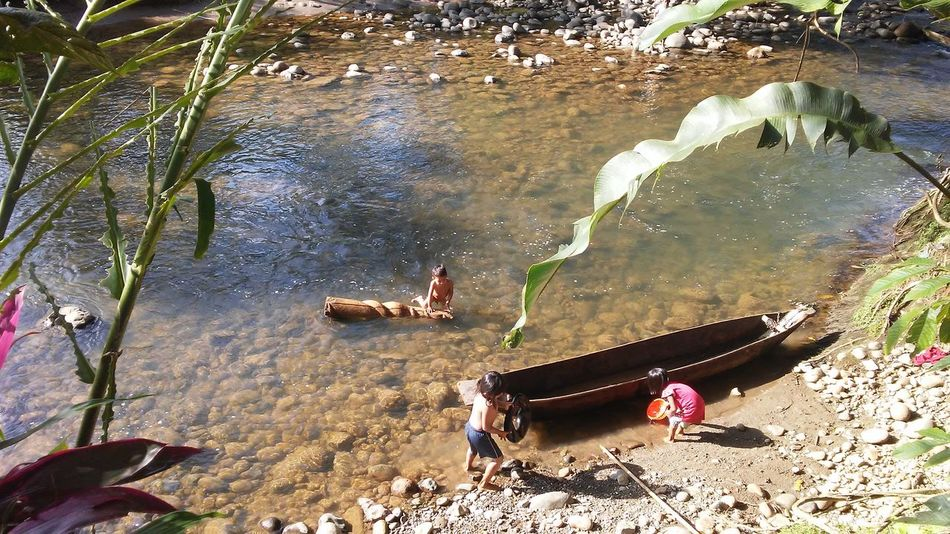 Water Outdoors Canoe And Water Children Of The World Ecuadorturistico South America Children Having Fun In The Summertime Swimming Children Only