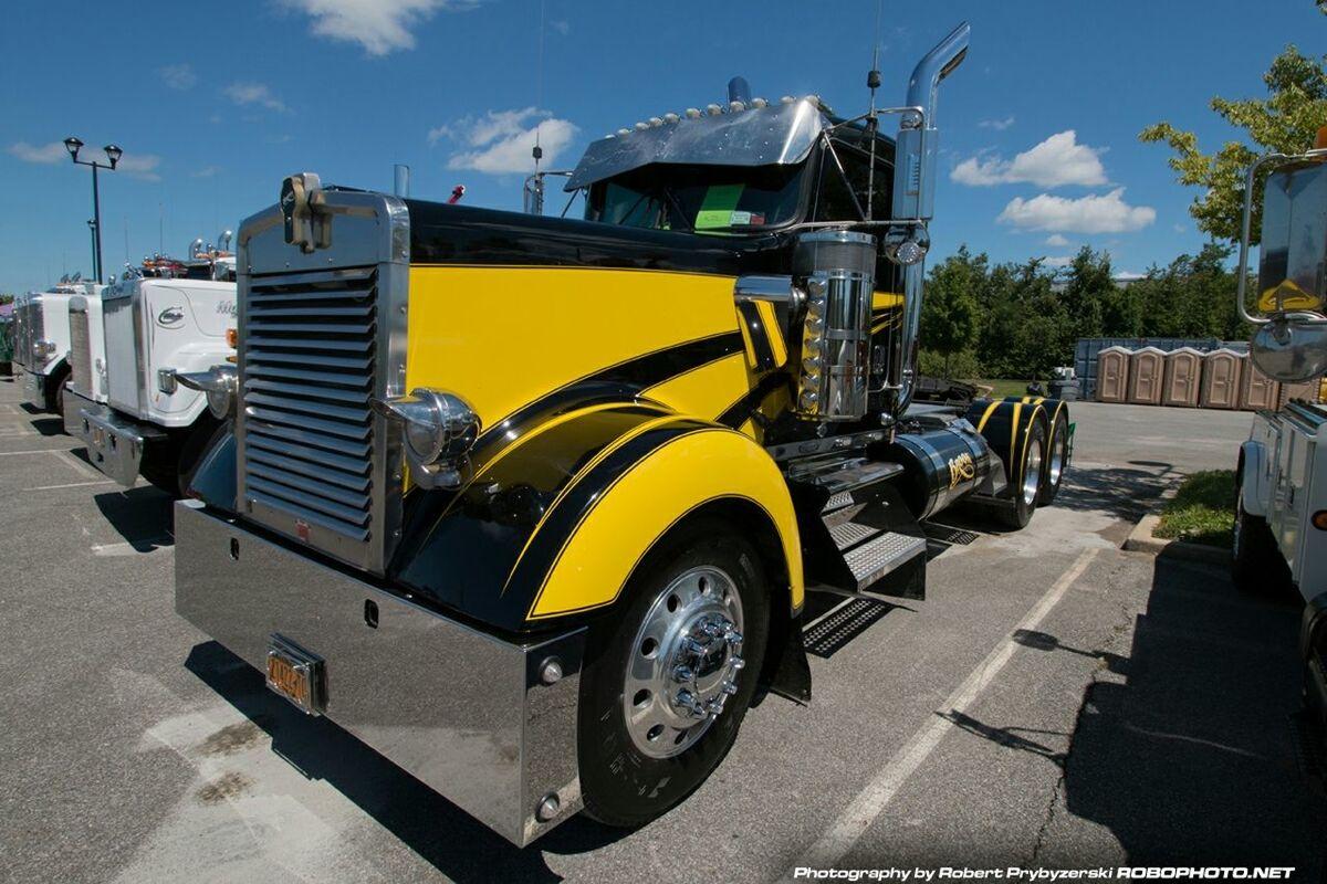 One Stop Customs Custom Trucks Taking Photos Kenworth
