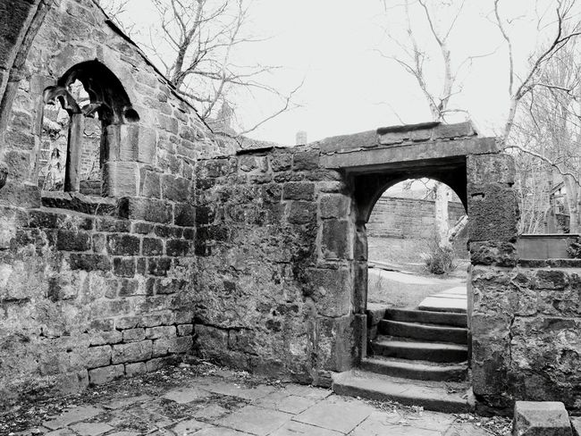 Learn & Shoot: Leading Lines Stone Stones Lines Churchporn Church Ruin Yorkshire Heptonstall Church Ruins Here Belongs To Me Old Buildings Architectural Detail Window Church Frame It Outdoor Photography Wall Arched Windows Landscapes With WhiteWall Landscapes Lined Up Architecture Trees Churches Windows