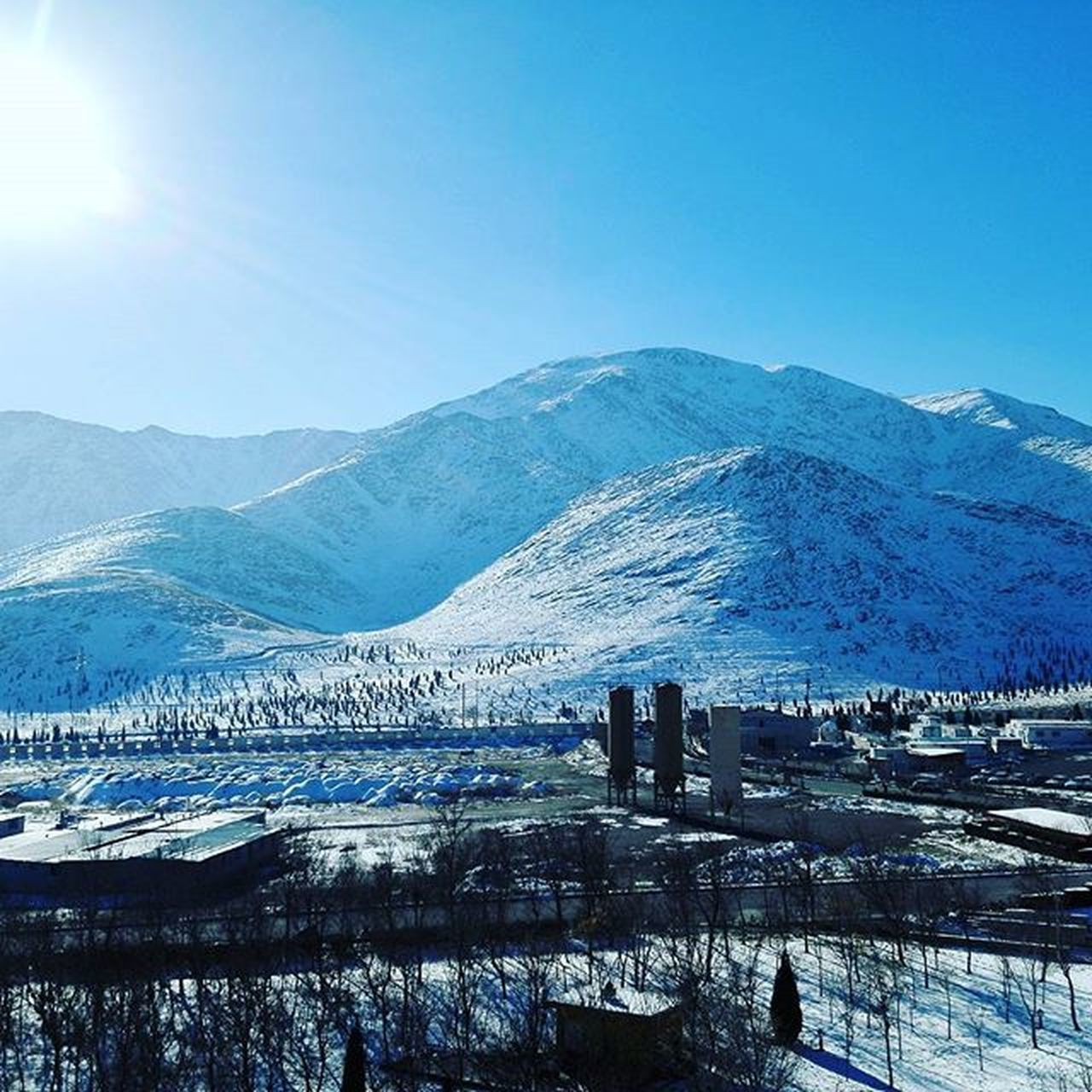 snow, winter, cold temperature, mountain, season, mountain range, snowcapped mountain, tranquil scene, scenics, tranquility, beauty in nature, weather, landscape, covering, frozen, clear sky, blue, nature, copy space, lake