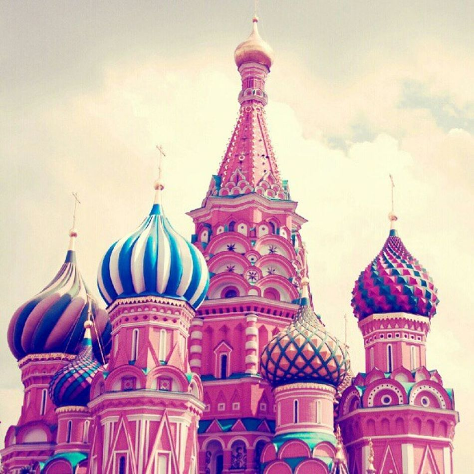 The Kremlin Chure Redsquare Kremlin Thekremlin russiamoscowrose