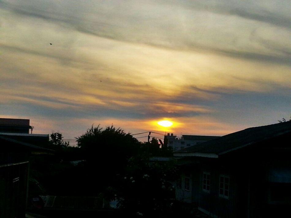 Sunrise Doctor  's Time ...  พระอาทิตย์ขึ้นทุกวัน...