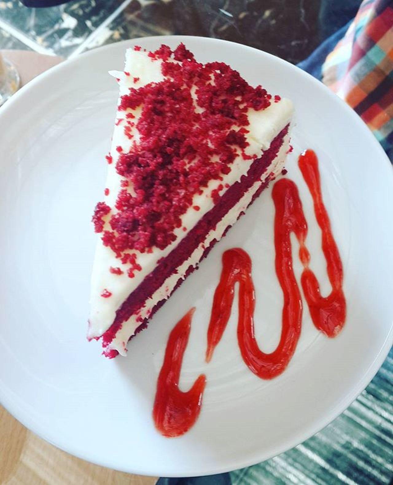 ขนมก็มา Cake Redvelvetcupcake Red Redcake