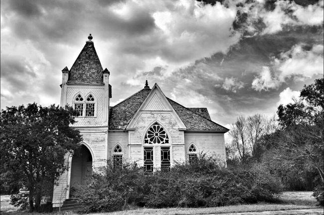 Blackandwhite Church Abandoned Gonebutstanding EyeAmRuralAmerica EE_Daily: Black Sunday