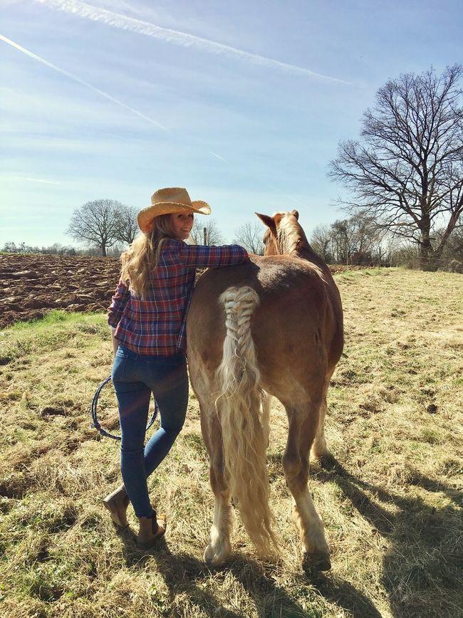 Howdy YEAHA Cowgirl Horse Outdoors Taking Photos Enjoying Life That's Me Horsemanship Haflinger Love ♥ Western Countryside Happy