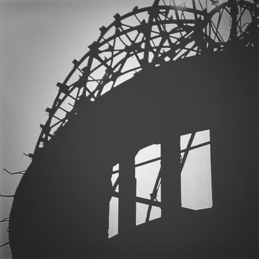 世界中から核兵器が無くなりますように、オトナだって夢を見る。写真は2010年 Peace&love Hiroshima Atomic Bomb Hiroshima Atomic Bomb Dome Black & White No Border