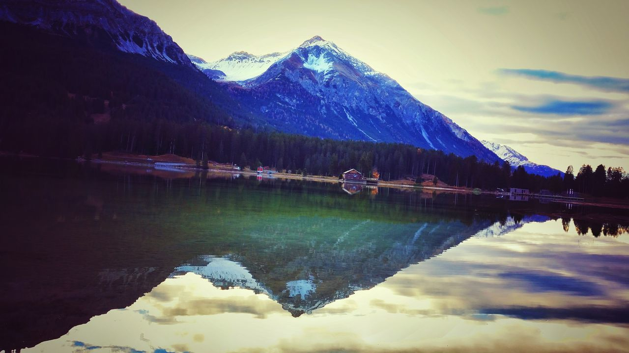 Heidsee Lenzerheide Rothorn Waterreflections  Water_collection Mountains Hello World Morning Light Watercolor Lake View Autumn Enjoying Life Taking Photos Naturelovers EyeEm Nature Lover Eye4photography  Hanging Out Smartphonephotography