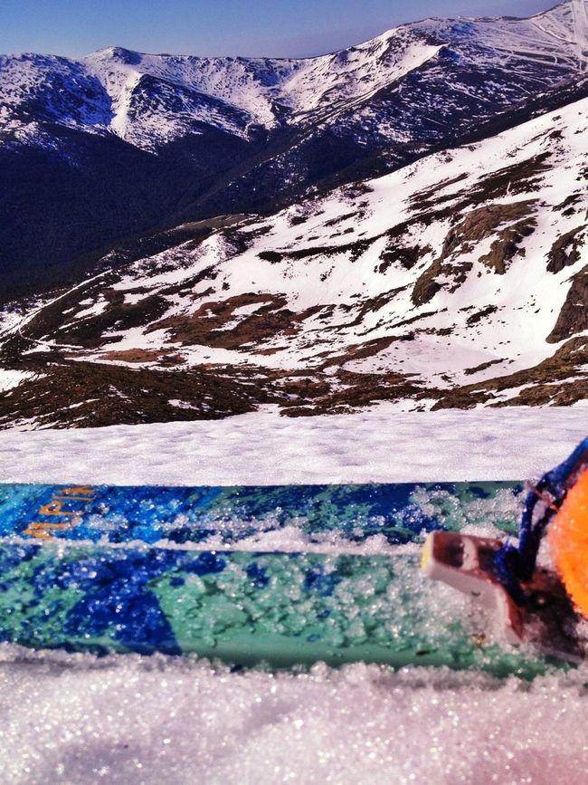 A Bajar Esta Pared Yupiiii  #esquídemontaña #skimountaineering #skimo #mountain #sunrise #amanecer #cotos #peñalara #gasss #training #ilovemountain #beforework #dynafit #happy #feliz #welovemountains
