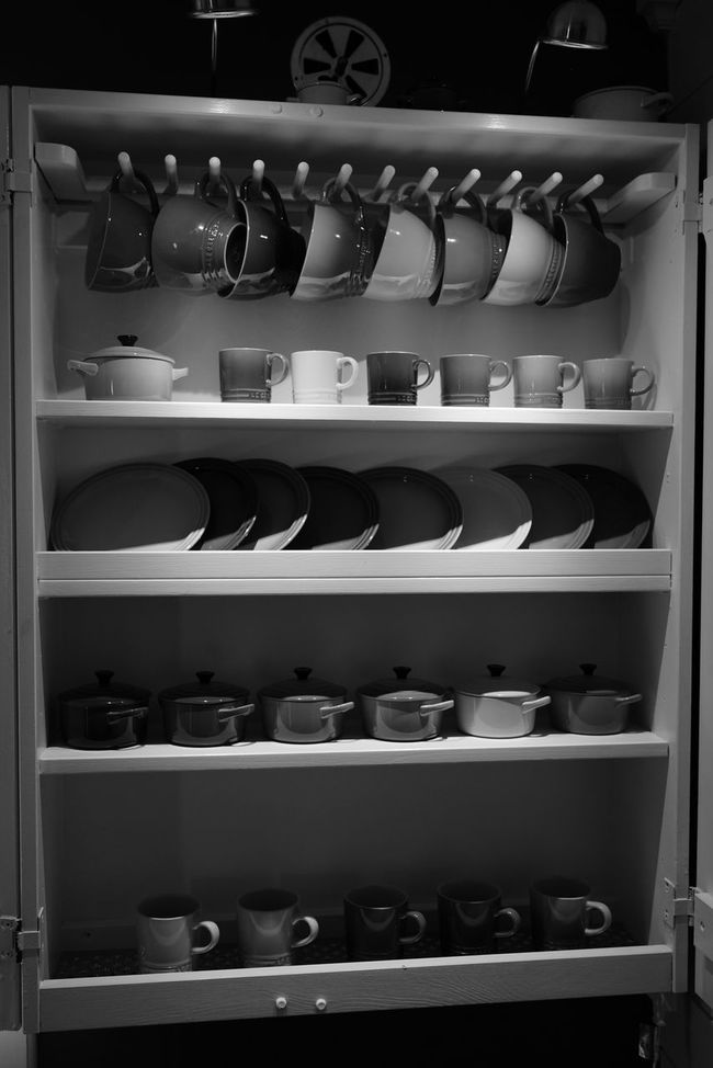 Everything In Its Place Taking Photos Monochrome EyeEm Best Shots - Black + White Blackandwhite Svartvitt Cups And Mugs Koppar Home Sweet Home A7RII Sonya7rii FE35 Bnw