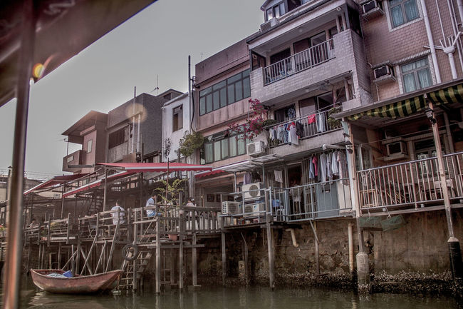 Riverside photo took in Hong Kong #hongkong #riverside Building Culture Old Town Outdoors Place Of Worship Residential District