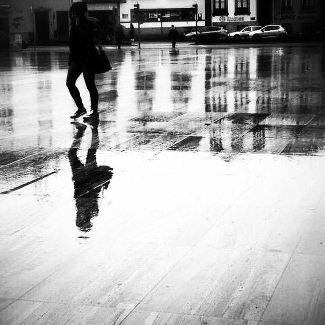 NEM Street EyeEm Gallery Shootermagazine WeAreJuxt.com EyeEm Porto Shootermag Mobitog Mobiography NEM Submissions Black & White AMPt_community NEM BadKarma Mob Fiction Clouds And Sky