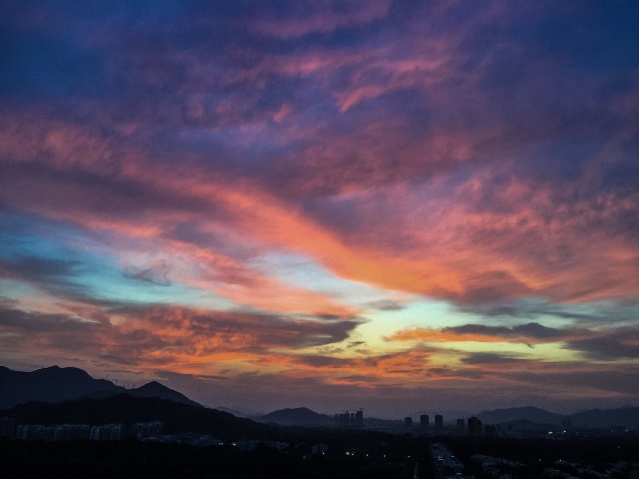 Sunset Scenics Tranquil Scene Beauty In Nature Silhouette Tranquility China Zhuhai Mountain Nature Sky Orange Color Cloud - Sky Dramatic Sky Idyllic Majestic Atmospheric Mood Atmosphere Outline Mountain Range Dark