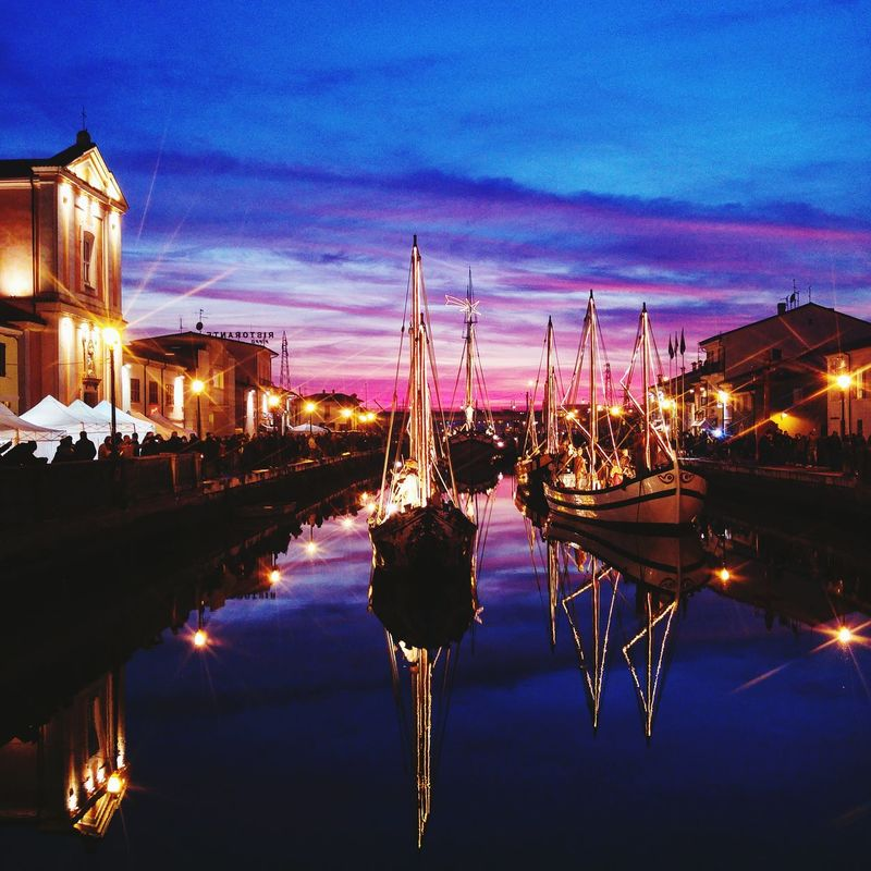 Home 💓🚣🌟💫🎄🎁🎄Water Sky Sunset Outdoors Crib Crib On The Water Christmas Lights Christmas Decoration My Year My View EyeEm Best Shots EyeEm Gallery The Great Outdoors - 2016 EyeEm Awards Seatown Sea Town Italy Porto Sheap Lights Illuminated
