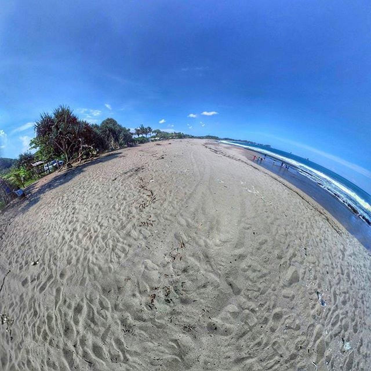 Mata indah bola pingpong. . . . Photosphere Panorama Googlecamera Malang Malangkipa Ngalam Ricohtheta Tinyplanet Tinyplanets Redmi2camera Xiaomi