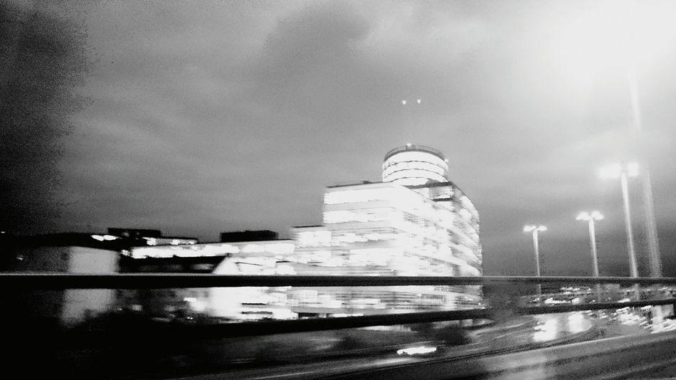 Taking Photos Hello World The World Is Mine Manolo Perulli Fotografie Shootermag Drive By Shooting Night Photography Urban Life Dark Paradise
