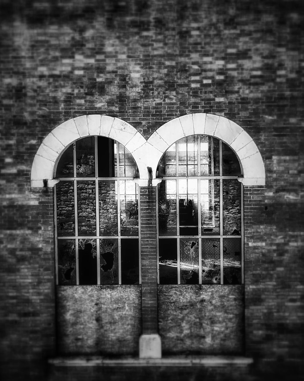 arch, built structure, building exterior, outdoors, no people, day, architecture, close-up
