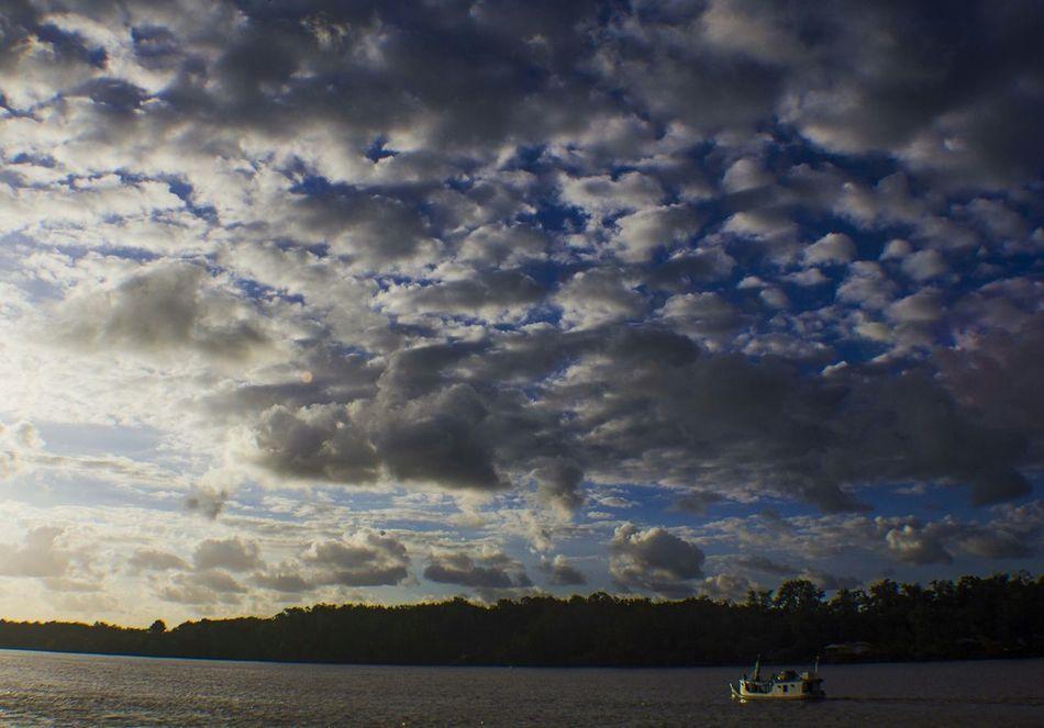 Bailique sky. Sky_collection Amapá Macapá The Human Condition Water Reflections EyeEm Brasil Hello World Sky And Clouds Skyline Working