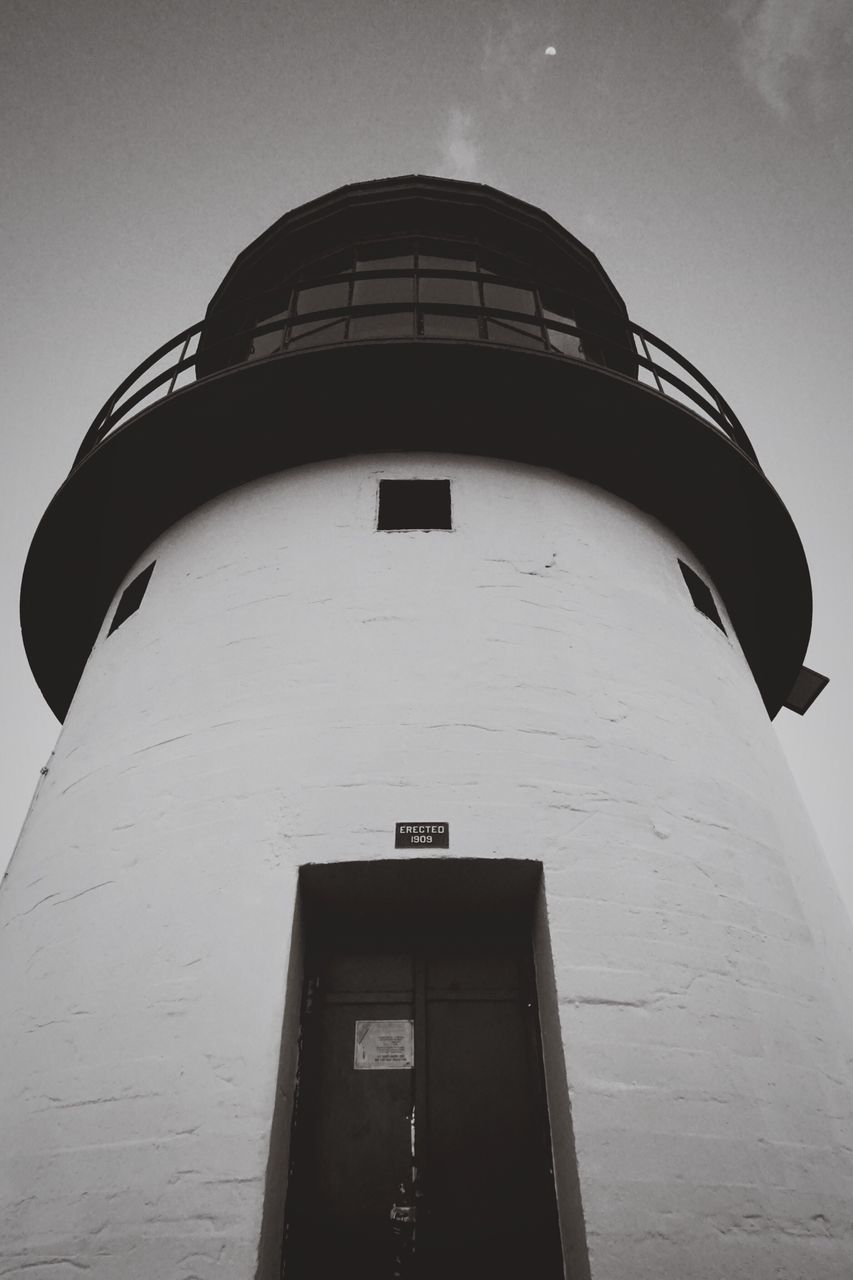 architecture, building exterior, built structure, low angle view, guidance, lighthouse, day, no people, outdoors, sky
