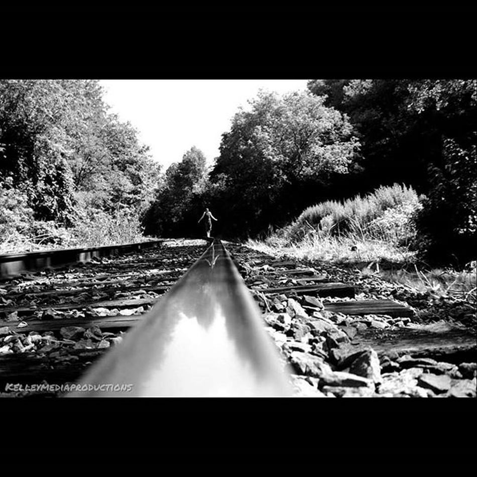 Train wanted to run me over shortly after taking this. Kelleymediaproductions Train Traintrack Railroad Trees Nature Naturephotography Art Blackandwhite Blackandwhitephotography Photography Photographersofinstagram Canon Canonphotography Canon7d  Exploring Delawarewatergap Stayrad
