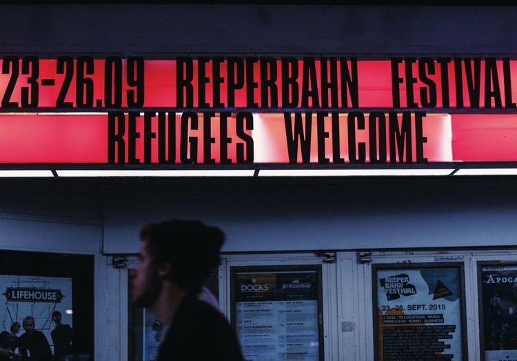Reeperbahn Festival Hamburg Reeperbahn  Regugees Welcome Streetphotography Vscocam 50mm One Love Night Lights