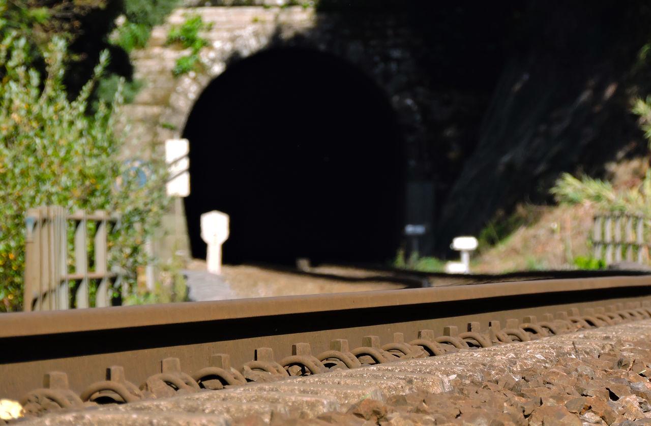Train Railway Viasdetren Tunnel