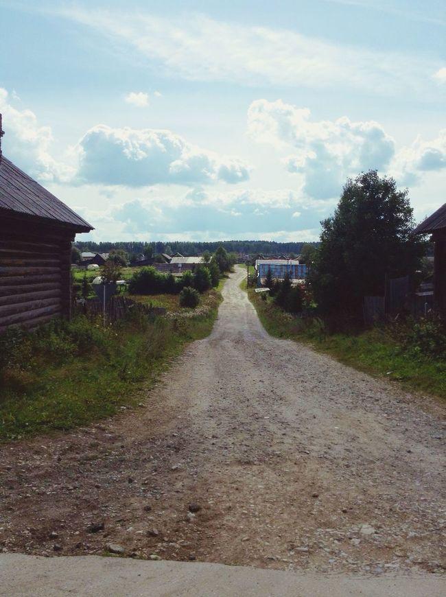 небо облака поселок дома Дорога даль Природа