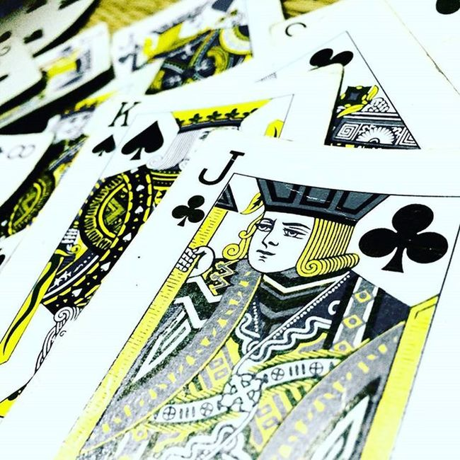 JOKER🃏 is the Real KING👑 CruzerClickz📷 CruzerEditz Joker King Cards Game Entertainment Photography Naren AnR Nrd HERO Mindgame Luck Magicalcolor Black Yellow Clove Apple Iphone5s Cam Playingcards