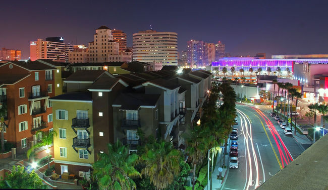Our last minute getaway in Long Beach California. We are live right now. Building California Cityscapes Comicon 2016 Convention Center Illuminated Long Beach Long Exposures Street Photography Cities At Night Street Lights Night Photography Parking Garage Street Light Team Awesome's Late Night Adventures Adventures Watching Chillaxing Long Beach California Red And White Lights Pink Pink Lights California Love Colorful City