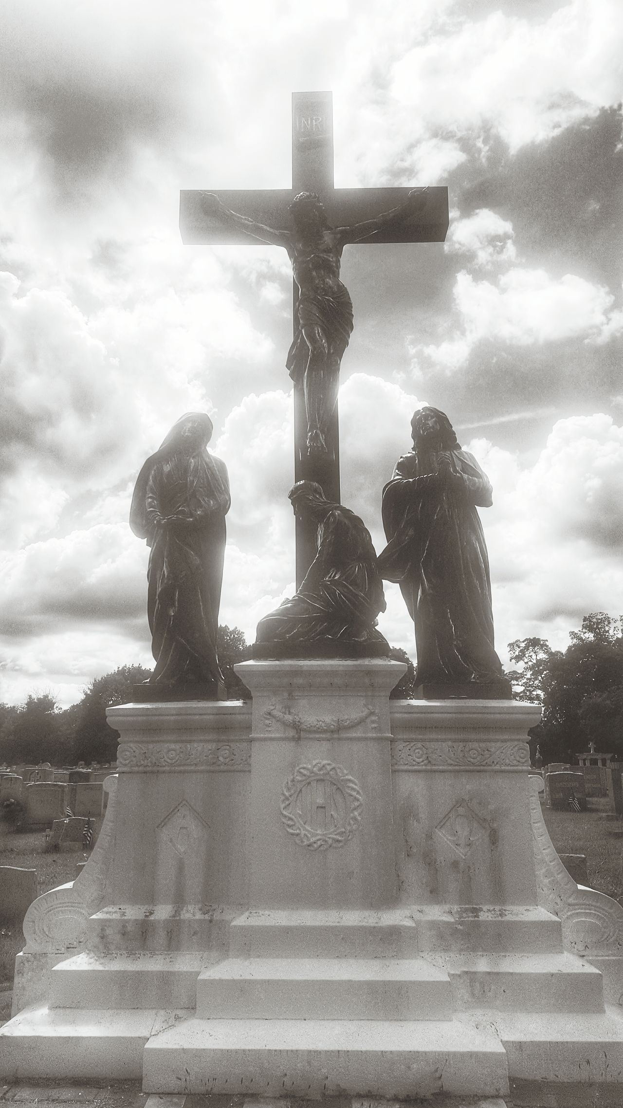 Statue Cemetery Cemeterybeauty Cemetery Photography Cemetery_shots Jesus Cross Cruxifix Crucifixion