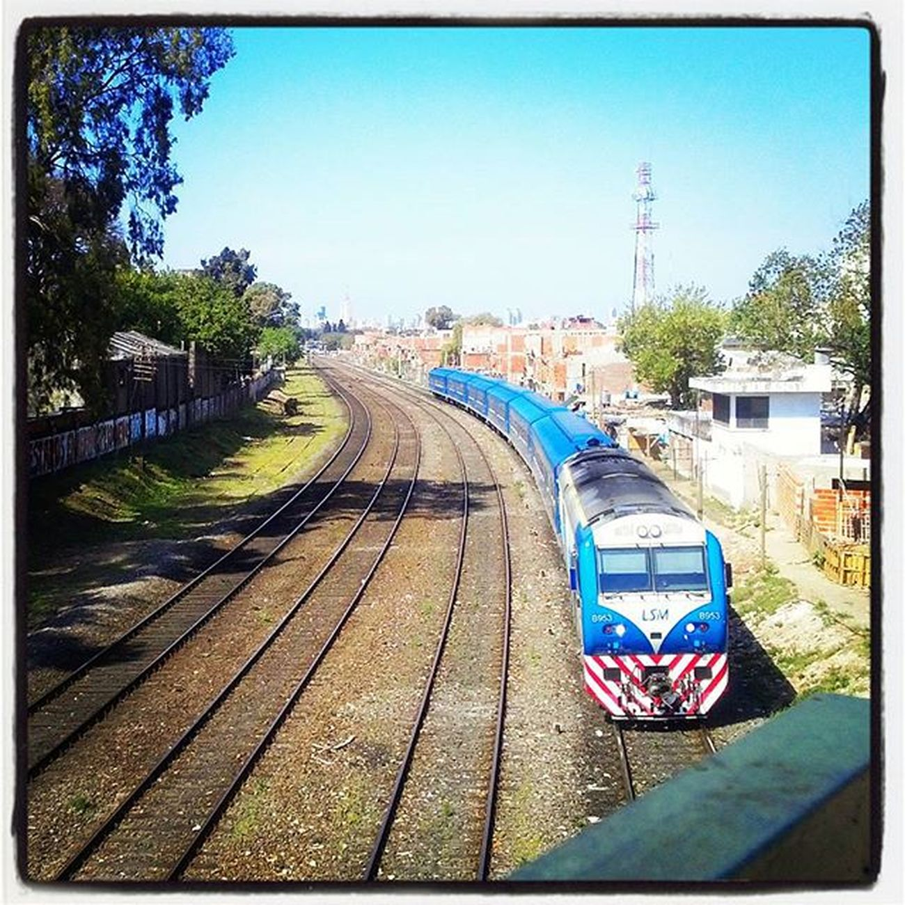 Agronomia Tren Barrio Puente Train Railroad Tracks Tren Traintracks Trains Railway Rail Track Rails Trains_worldwide Train_nerds Railways_of_our_world Railstagram Railfans Railfan Instatrain Railways Railroads Rail_barons Argentina buenosaires bsas southamerica baires igersbsas