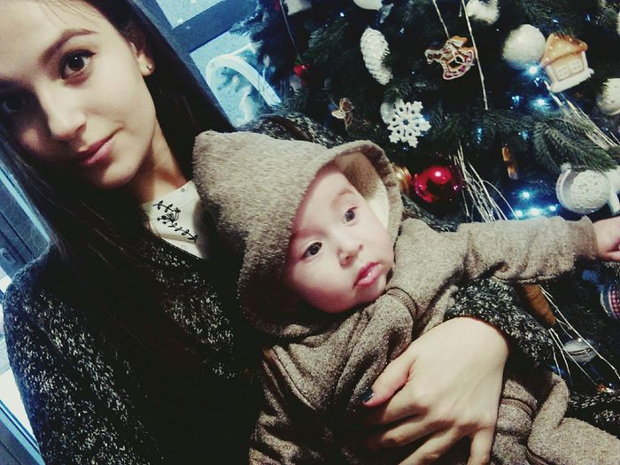 Winter Brother Family That's Me Hanging Out Relaxing Christmas Tree Selfportrait Selfie ✌ EyeEm Girls Portrait Christmas Lights Colorful Hello World First Eyeem Photo Cute Ukraine Kiev