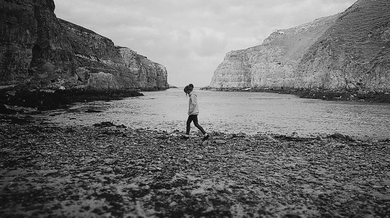 🌊Northcoast. Outdoors Nature Beach Mountains Landscape_captures Scottish Highlands Travel Naturelovers Blackandwhite Scotland Landscape Wanderlust Walks Northcoast Northsea Selfportrait Travel Destinations Travel Photography Travelgram Adventure