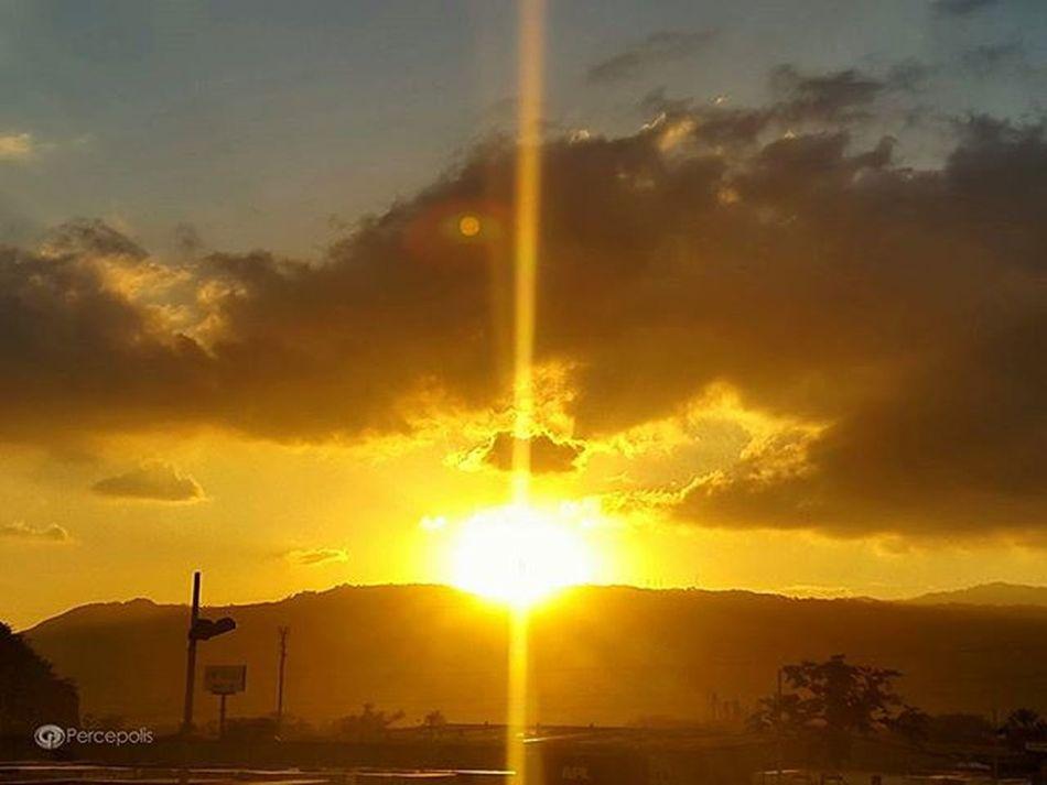 Otro Ocaso mas en nuestra San Pedro Sula. Magnifico. Paisaje Fotografia Percepolis12 Landscape Landscape_captures Sunset Sunsetlovers Sunrise_sunsets_aroundworld Honduras Paiscincoestrellas Everycapture Everyshots Natureloversforlife Samsung Gallery Gallery_of_all