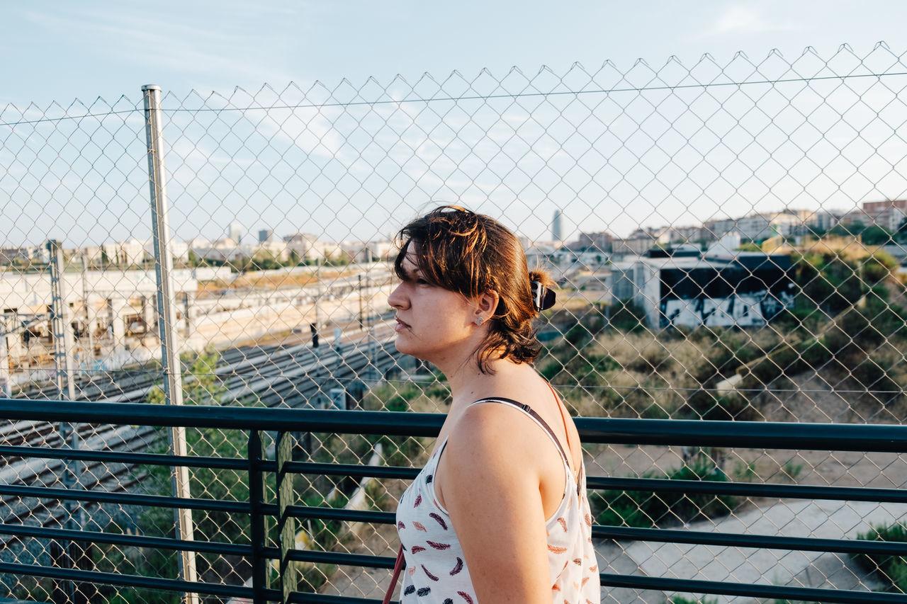 Beautiful stock photos of sicherheit,  6-7 Years,  Barcelona,  Boys,  Chainlink Fence