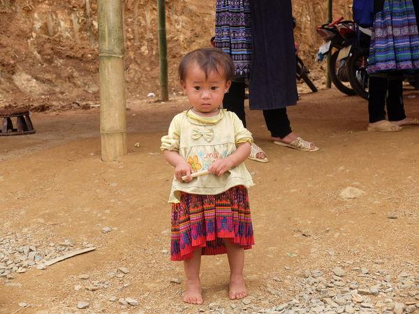 the little girl in mu cang chai - vietnam Children Poor  Poor Kids Vietnam Vietnamese Cute Mucangchai Vietnam Outdoors Real People