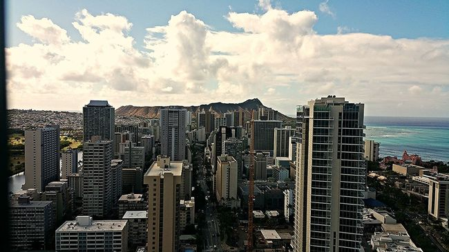 Diamond Head Waikiki Honolulu, Hawaii Cityscapes Beach Volcano Citylife Cityscape Islandlife Skyscrapers Clouds And Sky Million Dollar View Ontopoftheworld