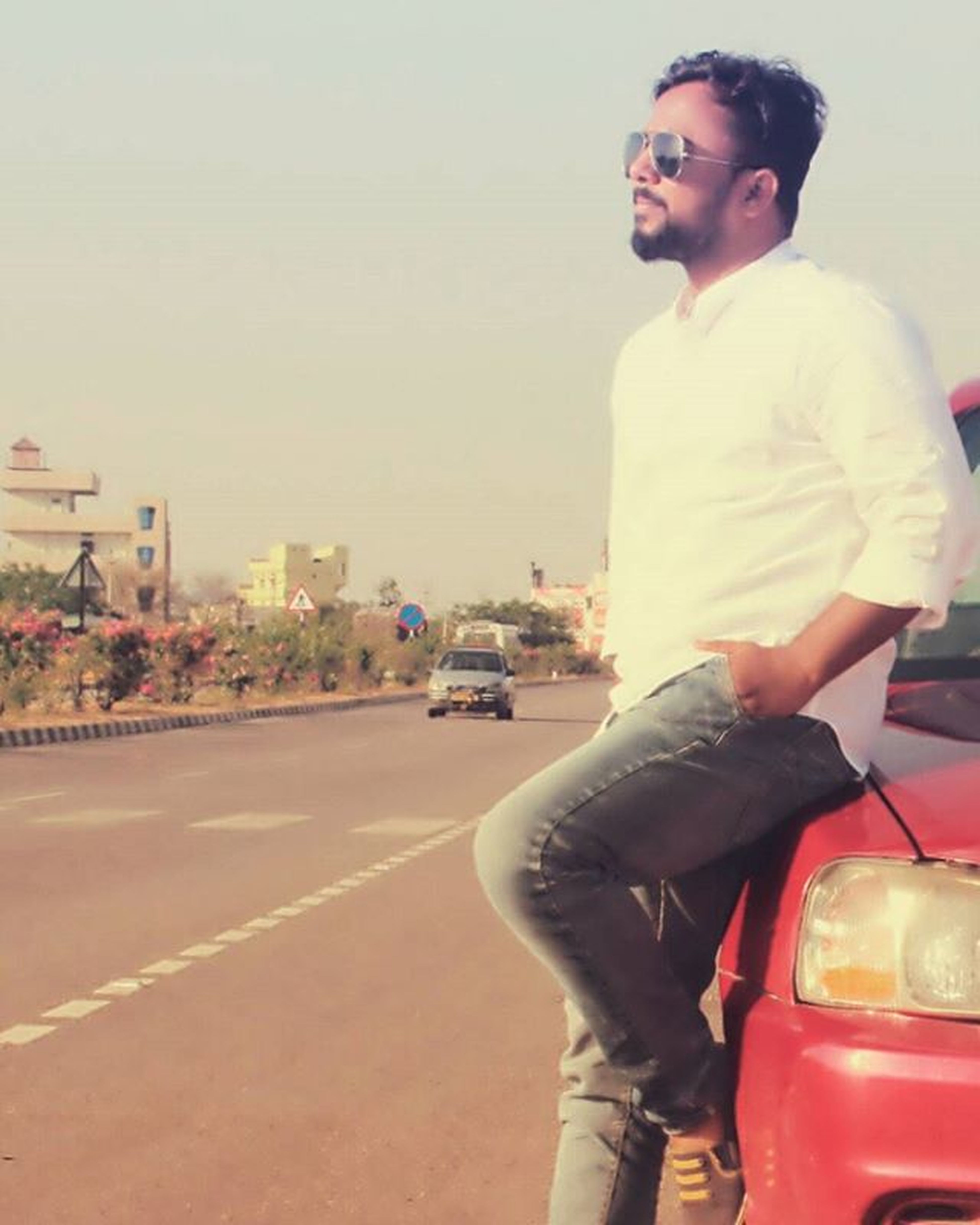 I ONLY RIDE WITH...WHO I'VE WALKED WITH...... Photographie  Photo4Like Hyderabaddiaries Beinghyderabadi Photooftheday Ride Longride Longdrive Friendship Friendstime Instafollow Like4like Follow4follow Followme On The Way