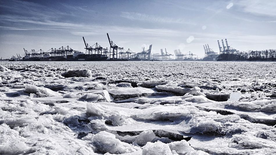 Beautiful stock photos of blau, Cold Temperature, Commercial Dock, Crane - Construction Machinery, Day